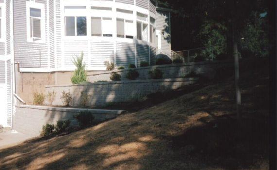 Tiered segmental retaining wall in residential development